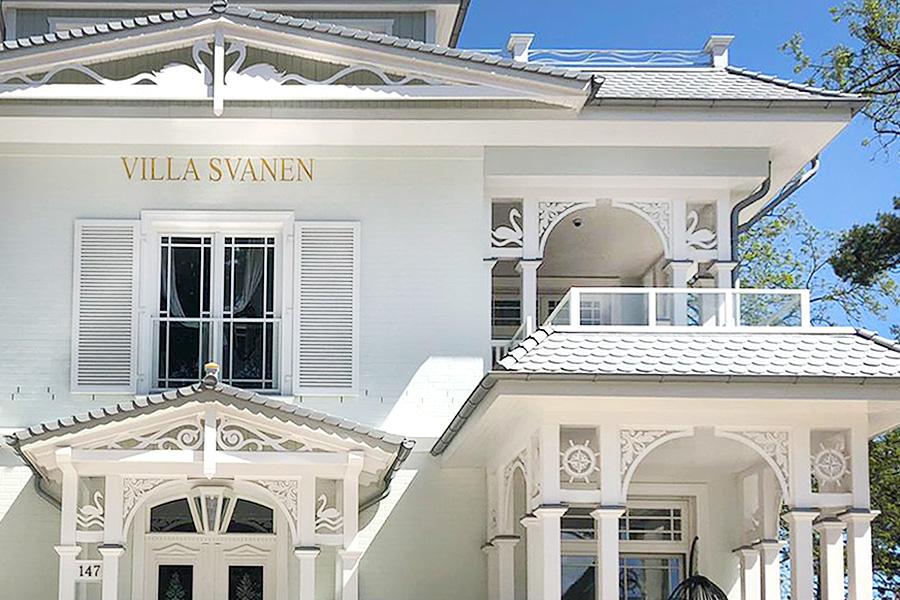 Villa Svanen, Fassade mit vielen liebevollen Details